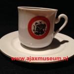 Kopje en schoteltje oud logo Ajax