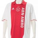 Wedstrijdshirt Danny Blind. Gedragen op 6 april.. Afscheid ABN. Een groot aantal voormalig spelers en trainers van Ajax uit het 'tijdperk ABN Amro' toonde in de rust van Ajax – De Graafschap de 23 prijzen die zijn gewonnen in de periode dat De Bank hoofdsponsor was.