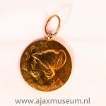 Voorkant: Ajax kampioen west afdeling 1 1926 - 1927.