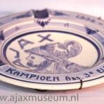 Delfs blauwe Ajax asbak Seizoen 1956 – 1957 Kampioen 3e elftal Ajax