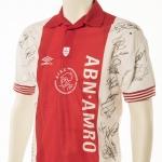 Seizoen: 1994 – 1995 thuis Afscheidsshirt Stadion De Meer. Op dit dit shirt staan alle handtekeningen van de technische staf en alle spelers.