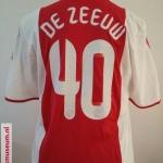 Wedstrijdshirt Demy de Zeeuw. Seizoen: 2009- 2010. Gedragen tijdens de Europa League.