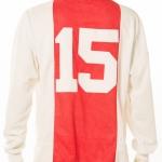 Wedstrijdshirt van Patrick Kluivert gedragen tijdens de halve finale Ajax - Bayern München. Ajax won met 5-2. Doelpunten van 2x Jari Litmanen, Finidi George, Ronald de Boer en Marc Overmars. Op de achterkant van het shirt staan alle handtekeningen van de spelers en staf van dat seizoen.