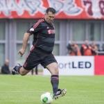 Yannis Anastasiou in actie tijdens Sjaak Swart verjaardag wedstrijd.  3 juli 2013 werd hij 75 jaar.