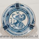 Delfs blauwe Ajax asbak Seizoen 1956 – 1957 Kampioen 5e elftal res. Ajax