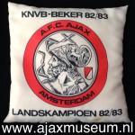 Kussen KNVB-Beker 1982 - 1983 en Landskampioen 1982 - 1983