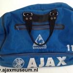 Sporttas Ajax. Le coq Sportif. Nummer 11,  Ronald de Boer.
